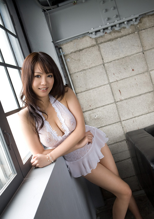 Japanese AV Model Mai Nadasaka Photoshoot