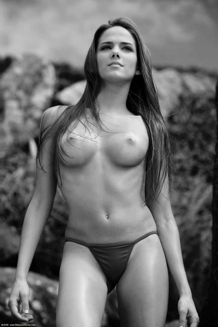 Naked Roberta