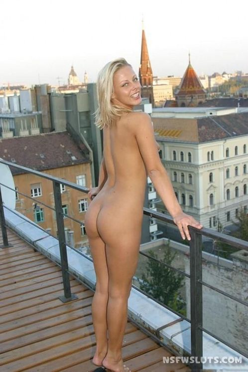 Naked Girls Flashing In Streets