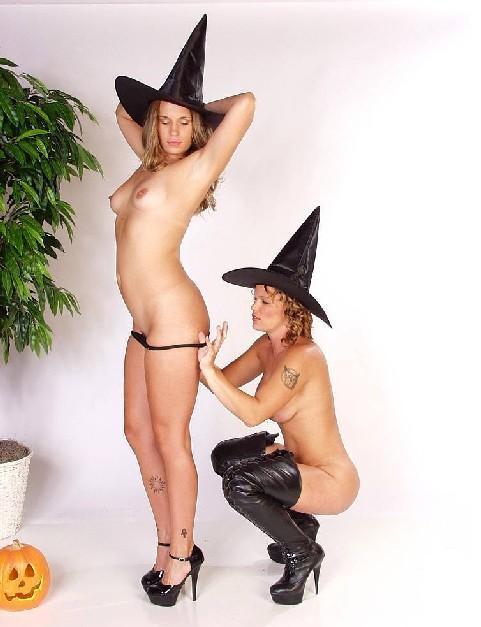 nude for halloween