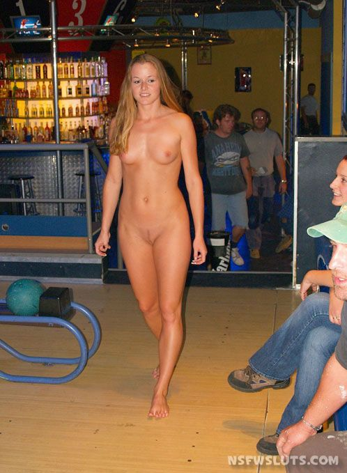 Nude Girls Flashing at Public Places