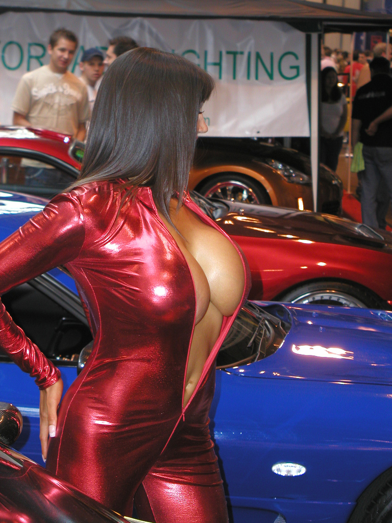 Car show girls topless — photo 10