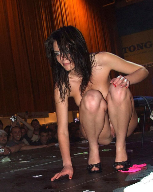 Naked Stripper In High Heels Posing For Cams